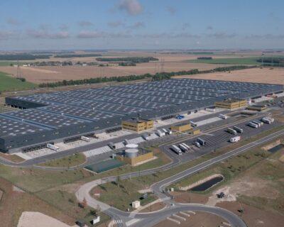 Plate-forme de Carrefour property à Poupry (28)